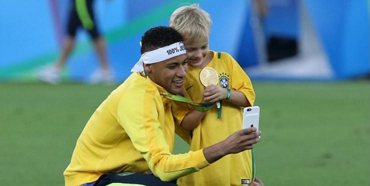 Após a convocação da seleção brasileira nesta segunda-feira e99b305c11b70