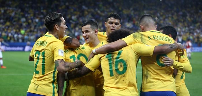 Com novo show, Brasil bate Paraguai