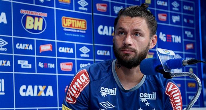 Rafael S�bis exalta experi�ncia do elenco na rea��o do Cruzeiro no Brasileir�o - See more at: http://www.itatiaiavale.com.br/esporte/esporte-detalhes/1184/#sthash.1z1uPuZC.dpuf